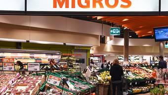Eine Filiale der Migros am Zürcher Flughafen (Archivbild).