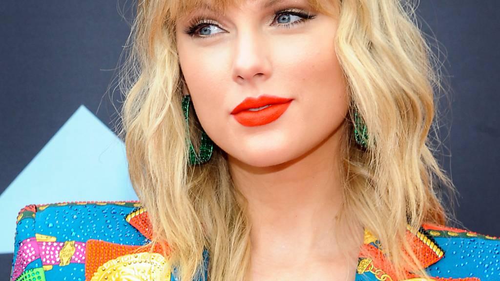 Popstar Taylor Swift überrascht ihre Fans mit neuem Album