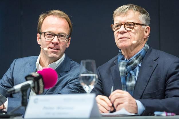 Peter Wanner mit Axel Wüstmann, dem CEO der nun ehemaligen AZ Medien. Wüstmann ist nun CEO von CH Media, dem Joint Venture der AZ Medien und NZZ Regionalmedien.