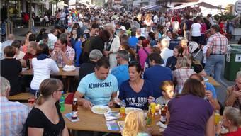 Viel Volk am 21. Strassenfest in Frick.