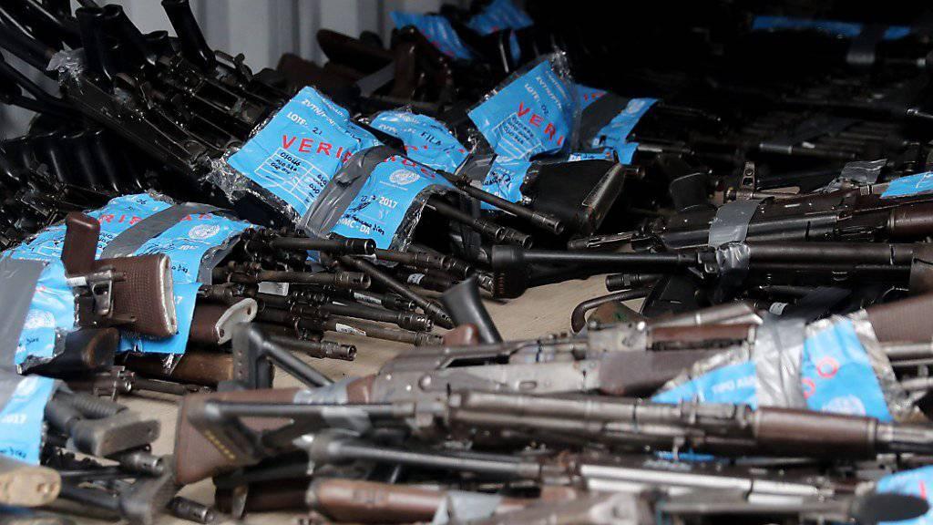 Die Vereinten Nationen haben fast 70 Tonnen an Waffen und Munition der FARC-Guerilla von Kolumbien unschädlich gemacht. (Archivbild)