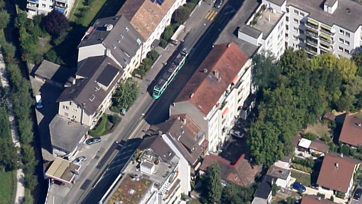Der Unfall ereignete sich an der Lörracherstrasse in Riehen.