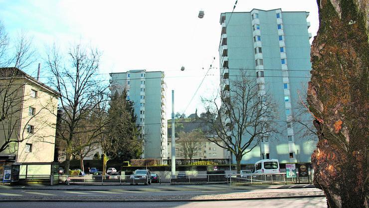 Die beiden markanten Hochhäuser auf dem Schindler-Areal bleiben vorerst stehen.