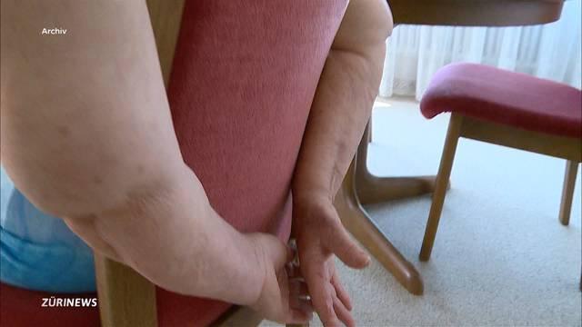 Seniorin wird im eigenen Haus gefesselt und ausgeraubt