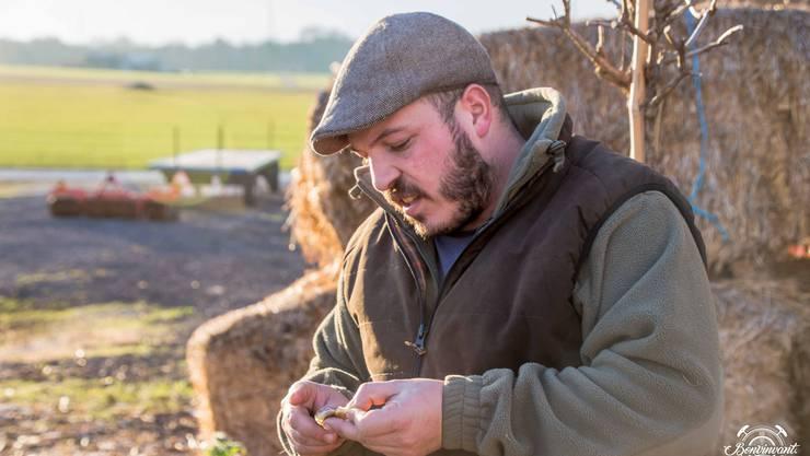 «Nous avons une ferme viticole – ein Bauernhof mit Weinbau!» Winzer Yannick Passas redet fast gleich oft von seinen Tieren wie von seinen Weinen – mindestens.