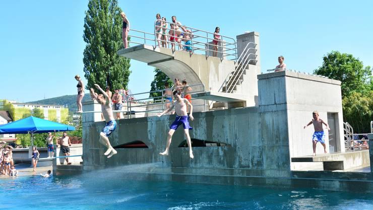 Im Januar 2014 wurden die Eintrittspreise für die Badi Olten aufgrund von Geldknappheit erhöht.