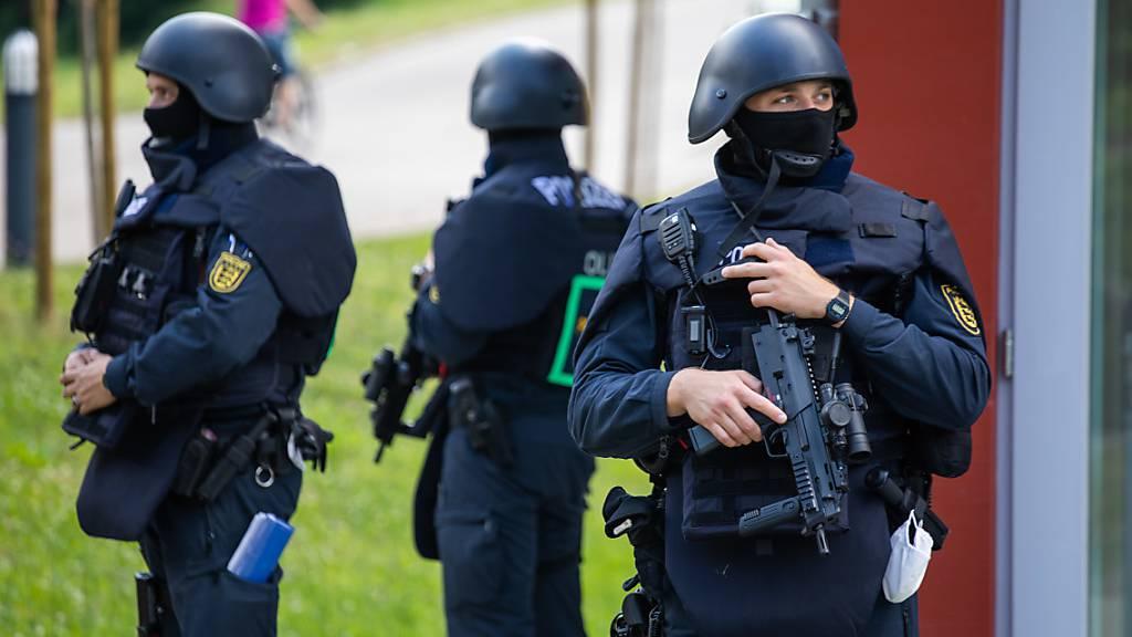 Bewaffneter im Schwarzwald weiter spurlos verschwunden