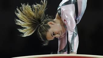 Die Schweizerin Giulia Steingruber in Aktion beim Sprung