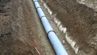 Die Leitung wird auf ganzer Länge von rund 80 Metern ersetzt. (Symblobild)