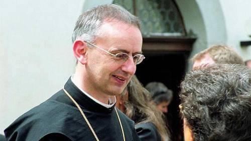 Abt spricht von Kardinälinnen