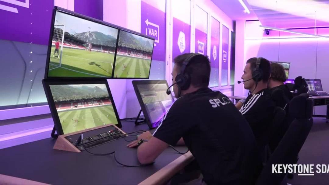 VAR - So sieht der Arbeitsplatz der Videoschiedsrichter aus