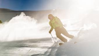Ein Skifahrer unterwegs in Engelberg.