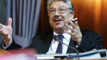 Der Ständerat will die Grossbanken verpflichten, Auslandschweizerinnen und Auslandschweizern ein Konto zu den üblichen Bedingungen anzubieten. Er hat eine Motion von Filippo Lombardi (CVP/TI) angenommen. (Archivbild)