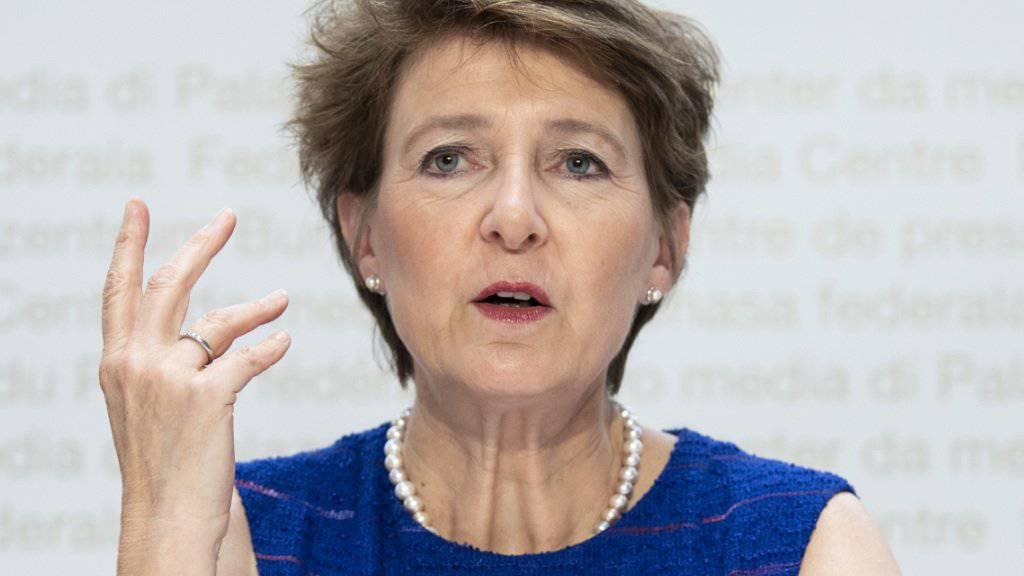 Bundesverwaltung soll Treibhausgasemissionen stärker senken