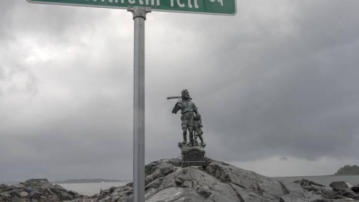 """Unter anderem für seine Tell-Statue auf einer kleinen Insel in New York erhielt der Schweizer Künstler Gerry Hofstetter am Samstag eine Auszeichnung der """"Swiss Society of New York""""."""