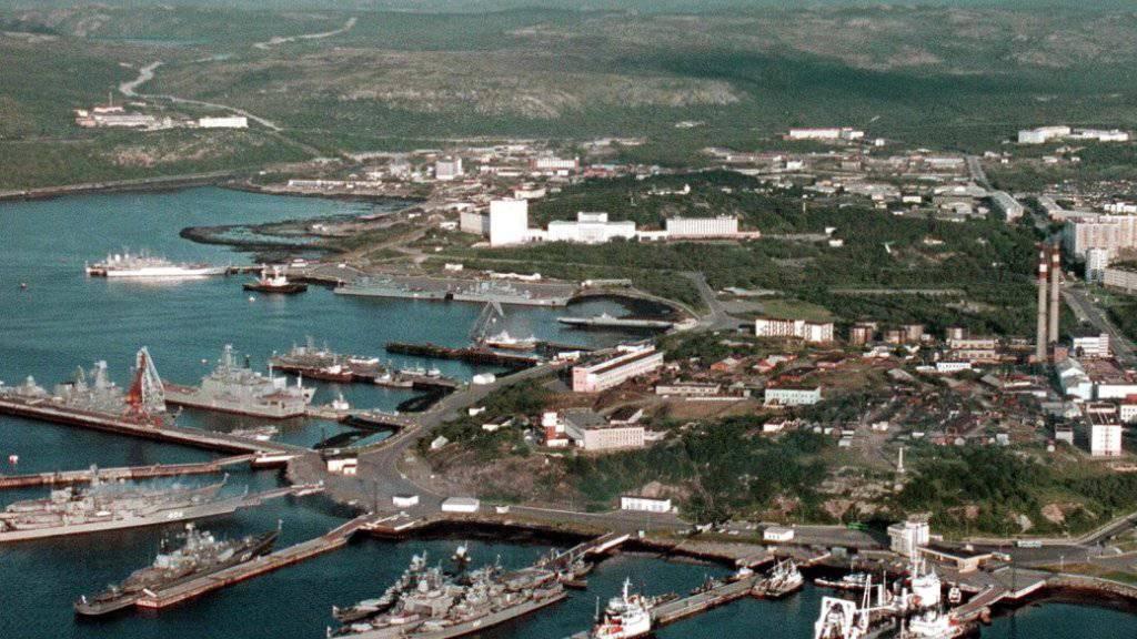 Blick auf den Stützpunkt der russischen Nordflotte in Seweromorsk nahe der Stadt Murmansk. (Archivbild)