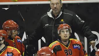 HC Sierre und Trainer Collins stehen vor Trümmerhaufen.