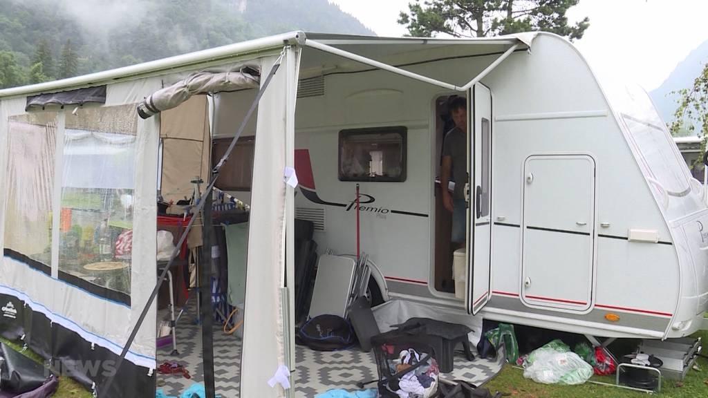 Gewitter wütet auf Campingplatz in Unterseen