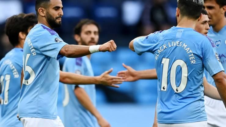 Der Algerier Riyad Mahrez (ganz links) erzielte beim 5:0-Heimsieg von Manchester City gegen Burnley seine Saisontore 8 und 9