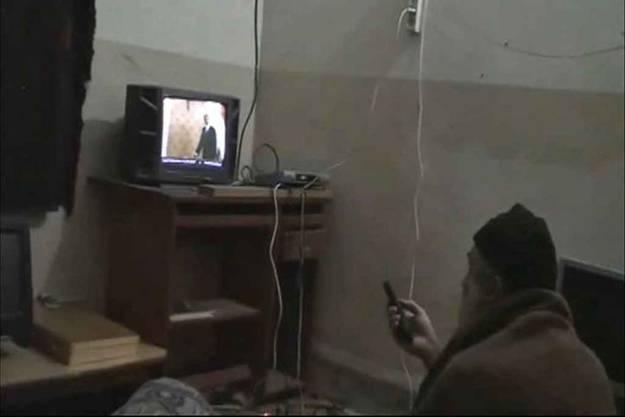 Osama Bin Laden vor dem TV