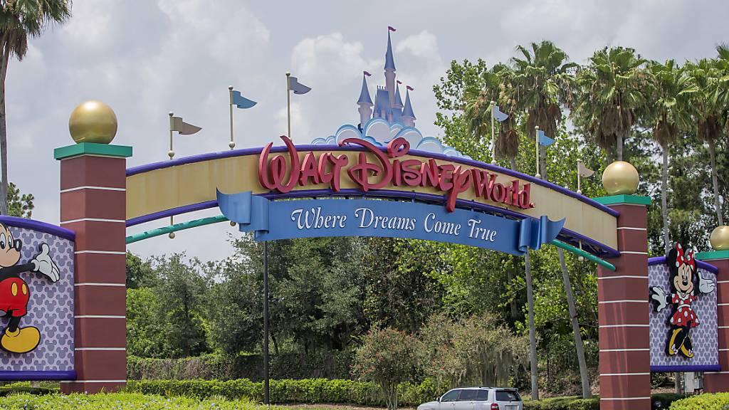 Die Umsatzeinbussen bei den Walt-Disney-Vergnügungsparks aufgrund der Coronavirus-Pandemie sind weiterhin beachtlich. (Archivbild)