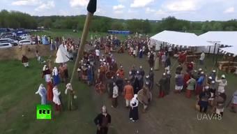 Mittelalter-Speer gegen Drohne: Der Werfer musste für den Schaden, den diese Aktion verursachte, aufkommen.