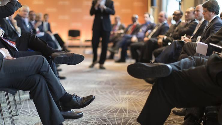 Männerrunde beim WEF: Laut einer Studie schafften es 2016 weniger Frauen im deutschsprachigen Raum auf Chefposten. (Symbolbild)