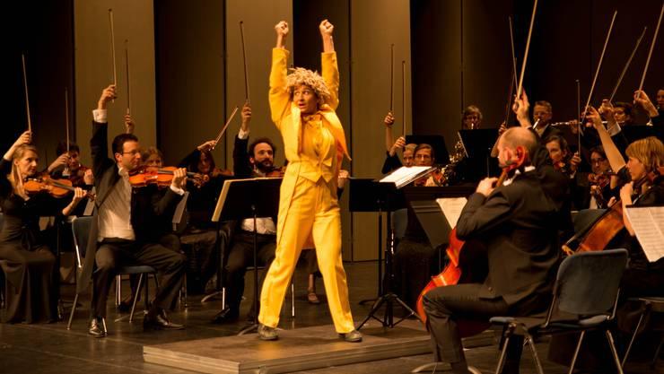 Nadeschkin leitet das Orchester etwas unkonventionell