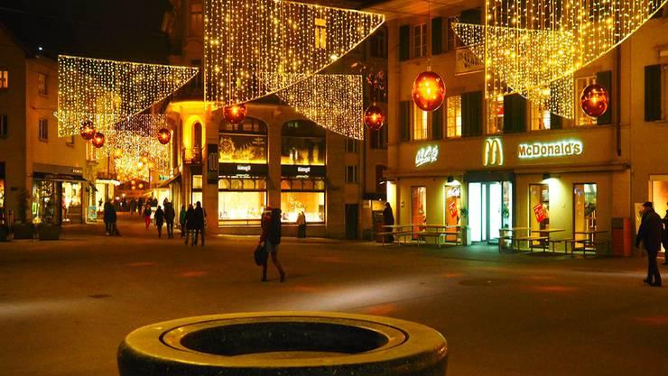 An mehreren Abenden wird lediglich aus der Oltner Aldi-Filiale Licht dringen – denn der Gewerbeverband verzichtet auf die vom Stadtrat bewilligte Vorverlegung von fünf Abendverkäufen. Bruno Kissling
