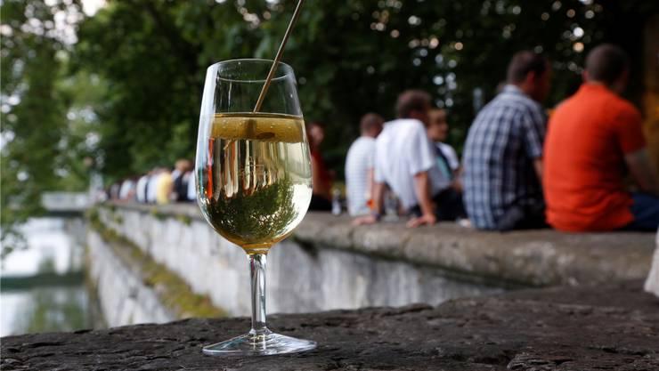 Ab 15. April gibts wieder Drinks an der Hafebar beim Rollhafen. Hanspeter Bärtschi