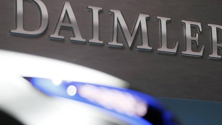Daimler muss sparen: Wie viele Stellen in den kommenden drei Jahren dran glauben werden, wurde allerdings nicht kommuniziert.