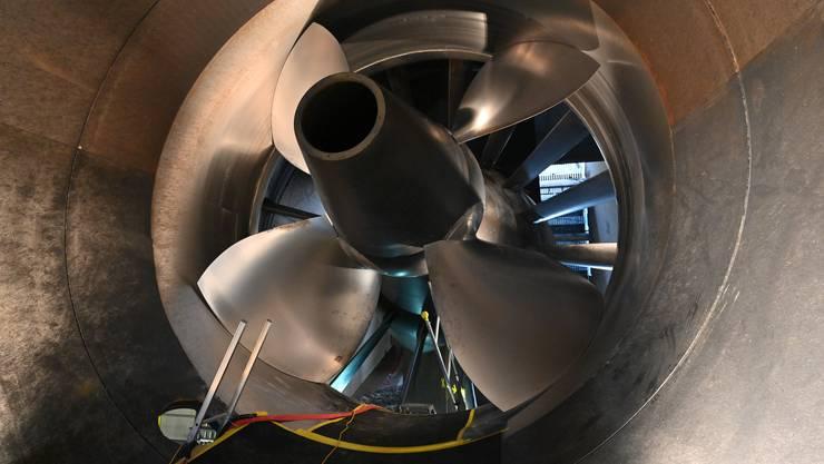 Kern der Revision des Wasserrechtsgesetzes sind die Ausgleichs- und Ersatzmassnahmen bei der Nutzung von Wasserkraft. Im Bild: eine Turbine im Wasserkraftwerk Ruppoldingen.