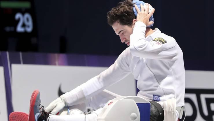 Max Heinzer ist nach seinem Sturz im WM-Final mit dem Schweizer Team zu benommen, um ein Weiterkämpfen zu verantworten