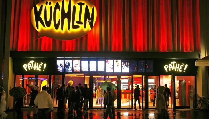 Das Wetter für die Ostertage sieht mehr schlecht als recht aus. Doch für einen gemütlichen Kinoabend mit Popcorn und M&M's ist es doch perfekt. http://www.mybasel.ch/freizeit_kino_programm.cfm