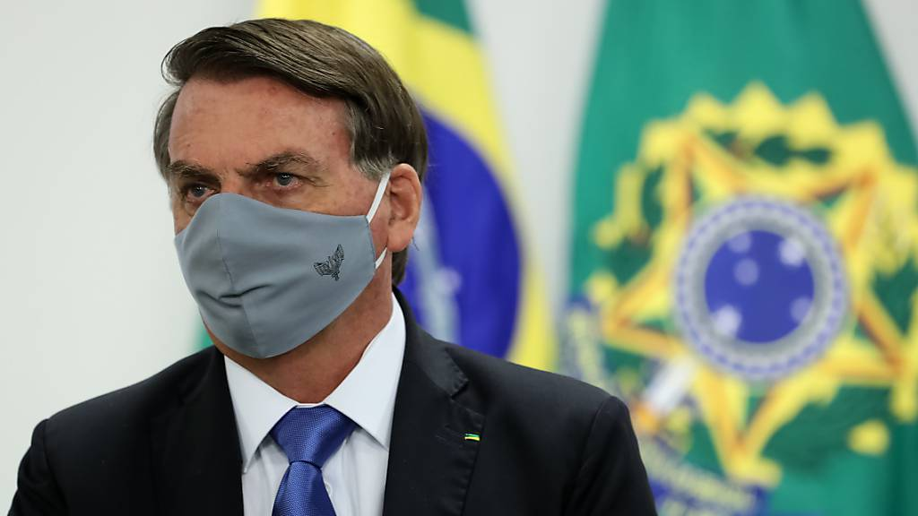 Erste Amtshandlung nach Corona-Test: Bolsonaro blockiert Hilfspaket