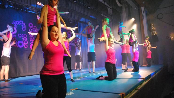 Mit einer farbenprächtigen Show ging am Samstagabend die diesjährige Turnershow des STV Herznach über die Bühne.