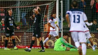 Das letzte Bild einer enttäuschenden Vorrunde des FC Aarau: Konsternierte Spieler des Heimteams, Jubel beim FC Chiasso.