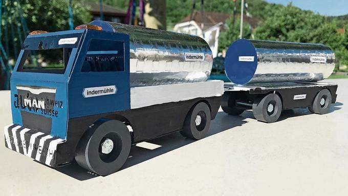 Silvan Indermühle (8) kreierte den schönsten Lastwagen in der Kategorie «Kinder». Krzysztof Gasior gewann in der Kategorie «Erwachsene.»