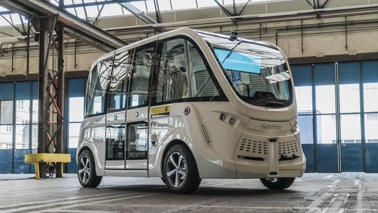 Der Bus, der ohne Chauffeur auskommt, bietet Platz für 11 Personen und fährt maximal 25 Kilometer pro Stunde.