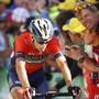 Vincenzo Nibali von Schmerzen geplagt nach der Zieldurchfahrt der 12. Etappe der Tour de France 2018