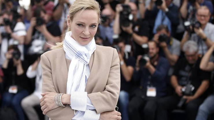 So locker reinspazieren wie hier Uma Thurman - Jurymitglied in der Reihe Un Certain Regard - können in Cannes nur wenige Auserwählte. Das Fussvolk muss sich durch mehrere Detektoren und Kontrollen kämpfen.