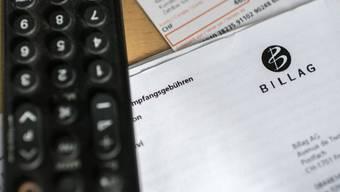 Die Billag hat ausgedient – ab 2019 verschickt die Serafe die Rechnungen für die Radio- und TV-Gebühr. (Symbolbild)