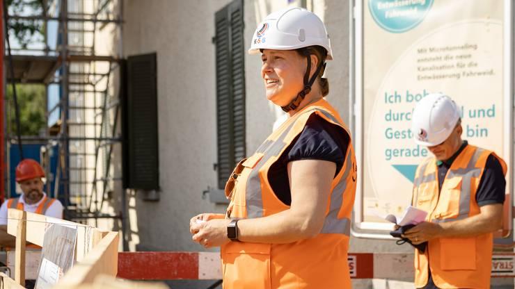 Taufpatin der Tunnelbohrmaschine war Corinne Zellweger, Unternehmerin in der Fahrweid und Präsidentin des Tennisclubs Geroldswil.