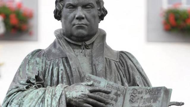 Das Luther-Denkmal in Wittenberg, Sachsen-Anhalt (Archiv)