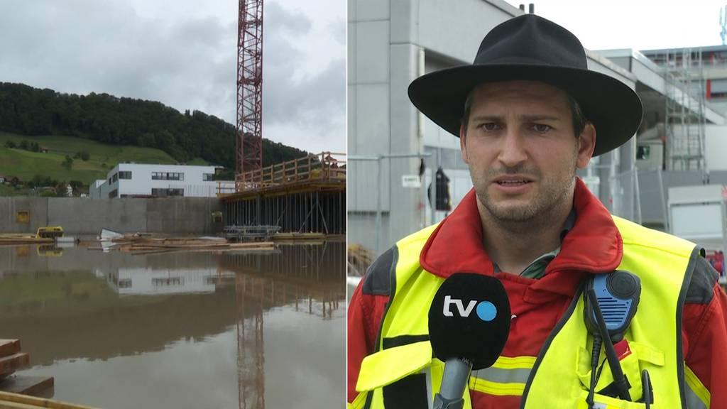Feuerwehr pumpt in Berneck 3500 Kubikmeter Wasser ab