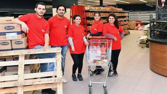 Neueröffnung Ideal Market im alten Denner: Das Team mit v.l. Adem Inalan, Taner Gökcicek, Feray Inalan, Emine Gökcicek und Seda Inalan Dinckurt.