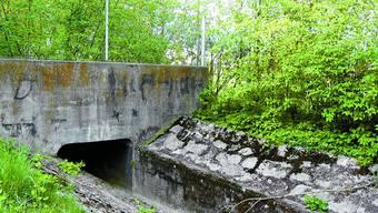 An diesem Punkt hinter der Fussballtribüne kann das Regenwasser vom Bach getrennt werden. Margrit Renfer