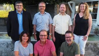 Der Winznauer Gemeinderat zu Beginn der Amtsperiode: Hinten (v. l.): Adrian Zürcher (CVP), Daniel Gubler (CVP), Alex Weber (CVP), Verena Rutschi Herren (FDP). Vorne: Chantal Reist (CVP), Peter Fehlmann (FDP), Christoph Bläsi (SP). Für die zurücktretenden Reist und Fehlmann rücken die Ersatzmitglieder David Geering (CVP) und Oscar Gerber (FDP) nach.