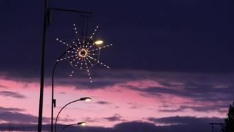 Wo steht diese Weihnachtsbeleuchtung? Testen Sie sich im Quiz!