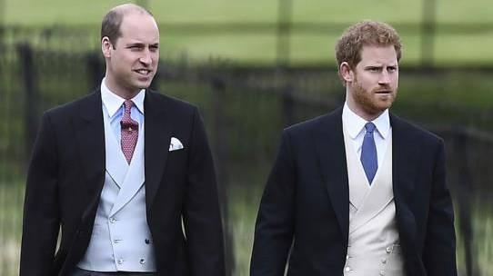 Royals bei Trauerfeier ohne Militäruniform – wegen Harry